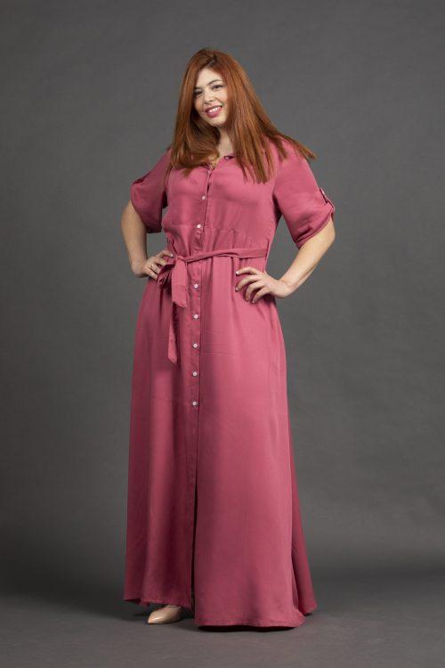 Φόρεμα μονόχρωμο ροζ σεμιζιέ σε μεγάλα μεγέθη
