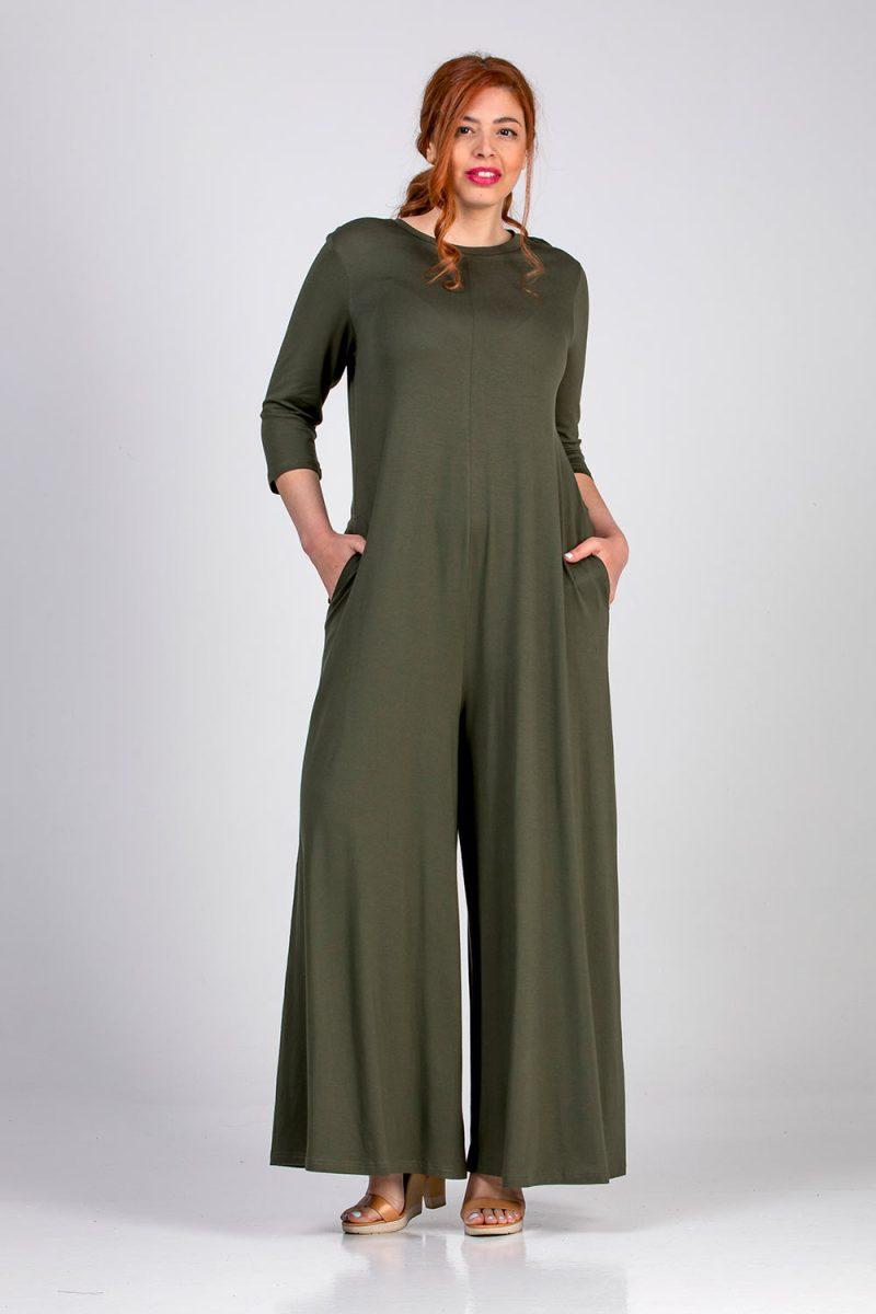 Γυναικεία ολόσωμη φόρμα σε μεγάλα μεγέθη