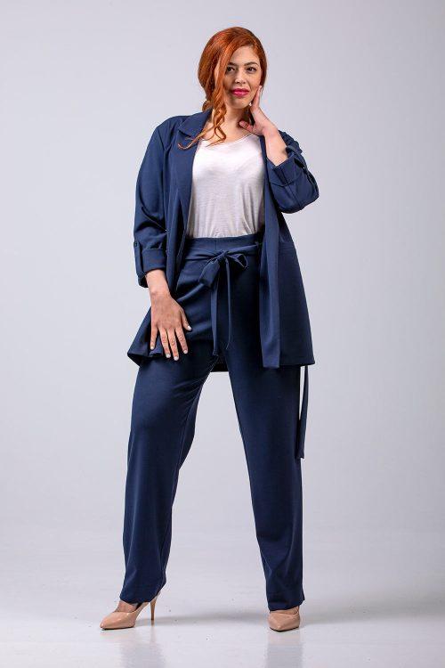 Γυναικείο κουστούμι σε μεγάλα μεγέθη
